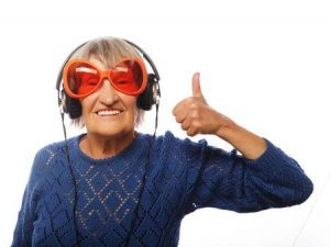 Thumbs up - Old lady